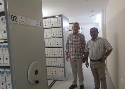 Visita del Diputado José Castro y el Alcalde Juan Jesús Jiménez al Archivo Histórico